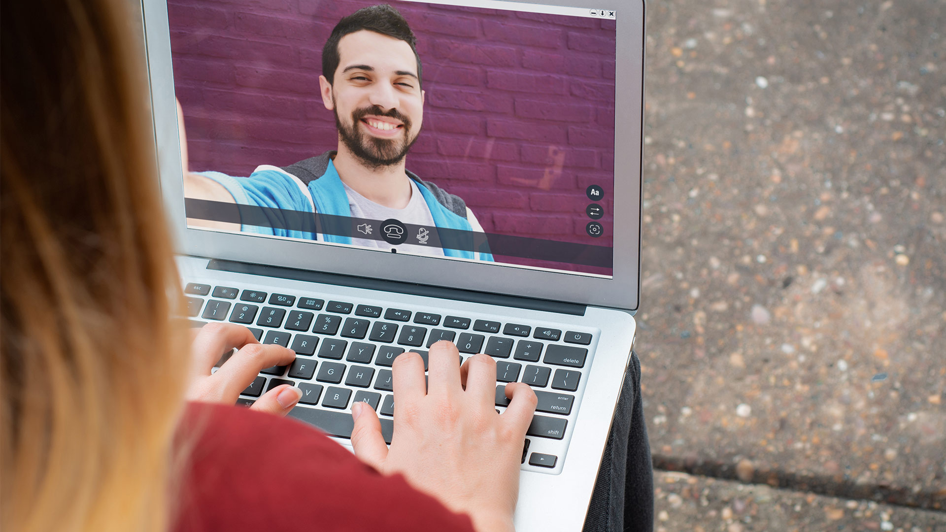 How To Set Up A Video Call With Your Small Group
